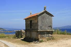 Horreo de la parroquia de Ons en la Isla de Ons en Bueu. Venalmorrazo.com