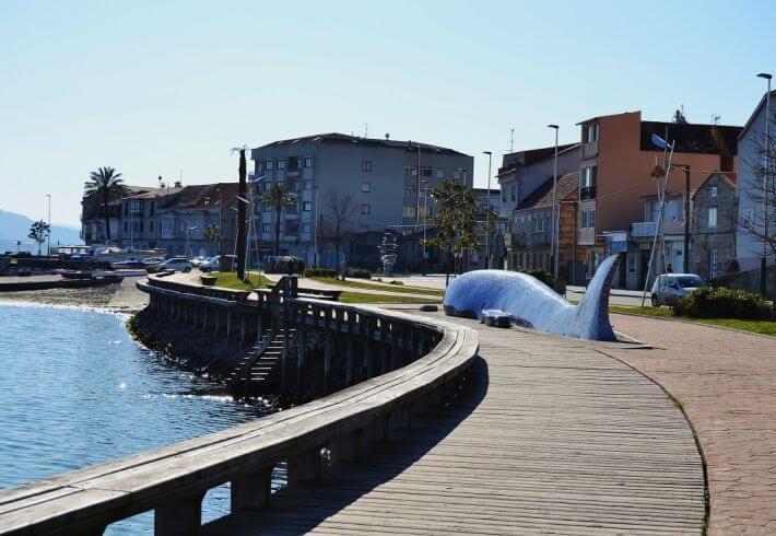 Paseo maritimo en Moaña situado en el barrio de O Con. Moaña. Venalmorrazo.com